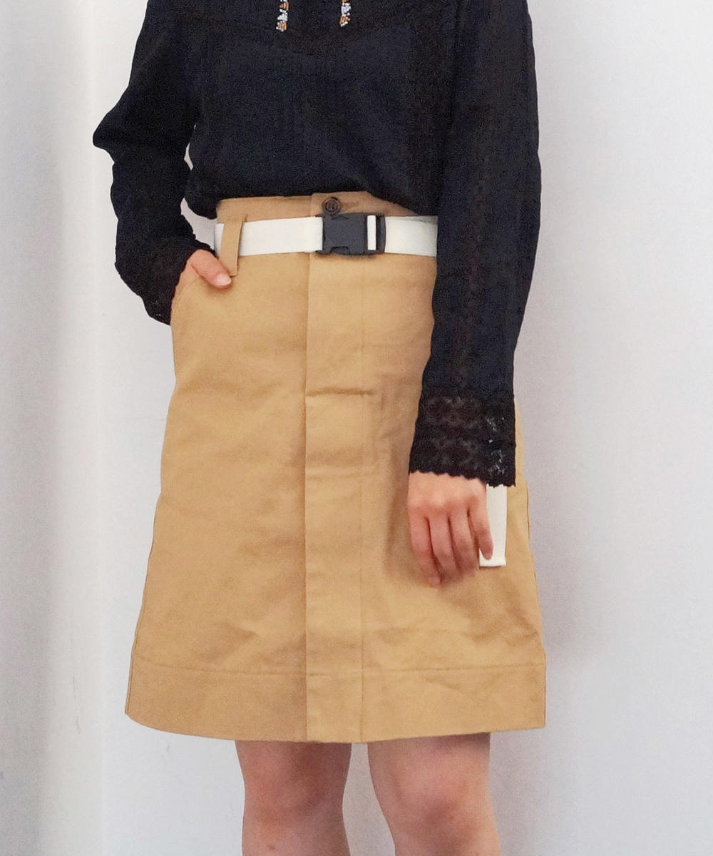 『mer3月号掲載』ベルト付き台形スカート